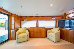 64' Hatteras 64 Motor Yacht 2008 Salon