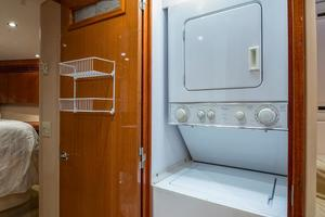 64' Hatteras 64 Motor Yacht 2008 Laundry