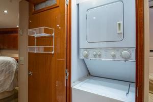 64' Hatteras 64 Motor Yacht 2008 Laundry