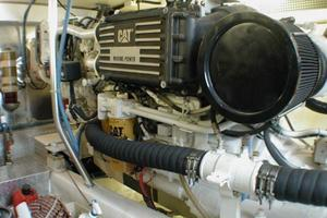 56' Ocean Yachts Supersport 2000 Engine Room