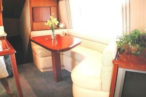 56' Ocean Yachts Supersport 2000 Dinette