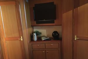 56' Ocean Yachts Supersport 2000 Vip Stateroom