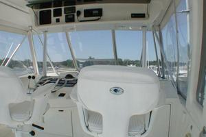 56' Ocean Yachts Supersport 2000 Flybridge Helm