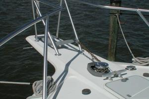 56' Ocean Yachts Supersport 2000 Bow
