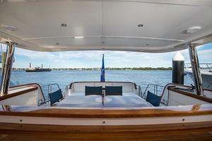 80' Hunt Yachts 80' 2016