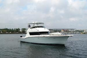 52' Hatteras 52 Convertible 1987 Profile 2