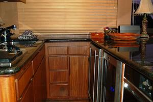 52' Hatteras 52 Convertible 1987 Galley