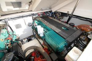 32' Tiara 3200 Open 2004 Engine room 2