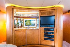 86' Burger Raised Pilot House 1987 Salon Bar and Entertainment Center