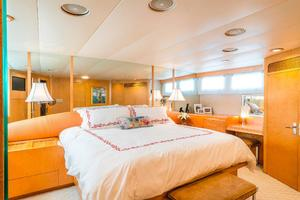 86' Burger Raised Pilot House 1987 Master Stateroom