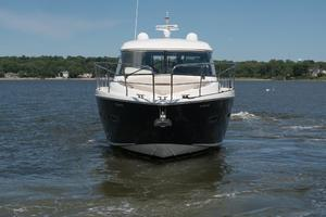 51' Sealine C48 2013 Bow Profile