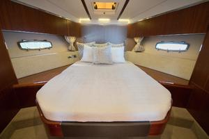 51' Sealine C48 2013 Forward VIP