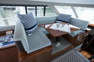 51' Sealine C48 2013 Raised settee