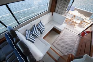 51' Sealine C48 2013 Salon settee
