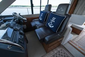 51' Sealine C48 2013 Helm station