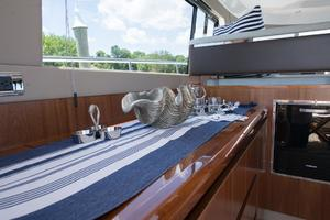 51' Sealine C48 2013 Salon media center staged