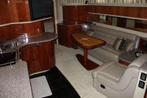 60' Sea Ray 600 Sun Sport 2003 Salon Looking Forward