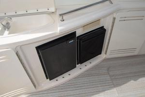 55' Sea Ray 550 Sundancer 2004 Cockpit Refrigerator + IceMaker