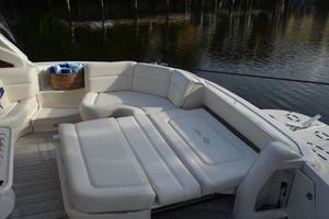 55' Sea Ray 550 Sundancer 2004 Cockpit Lounge