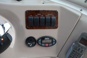 55' Sea Ray 550 Sundancer 2004 Electric Controls