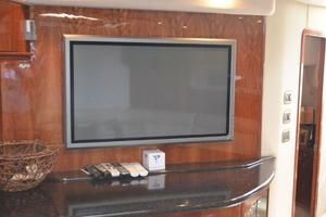 55' Sea Ray 550 Sundancer 2004 Salon FlatScreen TV