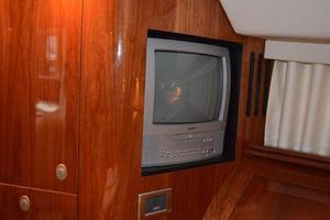 55' Sea Ray 550 Sundancer 2004 VIP SR - TV