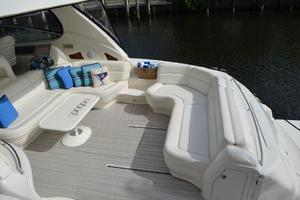 55' Sea Ray 550 Sundancer 2004 Cockpit