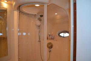 55' Sea Ray 550 Sundancer 2004 Master Shower