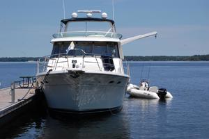 47' Bayliner 4788 Pilot House Motoryacht 1999 Bow Exterior