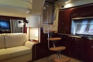 52' Sea Ray 52 Sundancer 2008 Salon Entrance