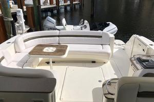 48' Sea Ray 48 Sundancer 2007 Spacious Cockpit