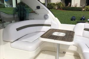 48' Sea Ray 48 Sundancer 2007 Cockpit Seating + Table