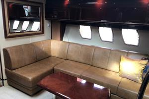 48' Sea Ray 48 Sundancer 2007 Salon - Strbrd Settee
