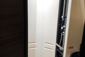 40' Azimut 40S 2012 Master Shower