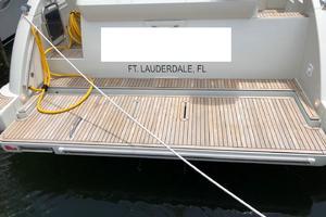 40' Azimut 40S 2012 Hydraulic Swim Platform