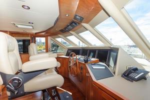 90' Ocean Alexander Skylounge Motoryacht 2012 Electronics