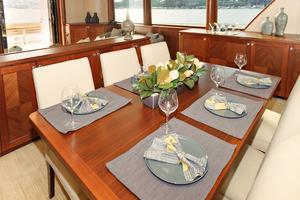 90' Ocean Alexander Skylounge Motoryacht 2012 Dining Table