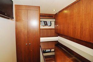 90' Ocean Alexander Skylounge Motoryacht 2012 Crew Pullman/Storage
