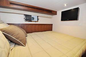 90' Ocean Alexander Skylounge Motoryacht 2012 Captains Stateroom