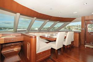 90' Ocean Alexander Skylounge Motoryacht 2012 Galley Seating