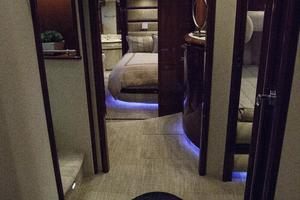 72' Marquis 720 2009 Foyer