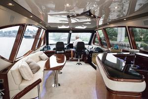 72' Marquis 720 2009 Skylounge