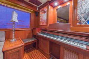 76' Alaskan 75 Pilothouse 2008 Built-in piano