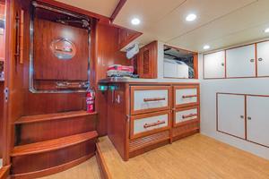 76' Alaskan 75 Pilothouse 2008 Lazarette storage