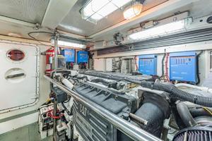 76' Alaskan 75 Pilothouse 2008 Engineroom