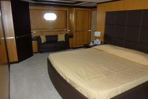 120' Inace Explorer 2012 Owner's stateroom