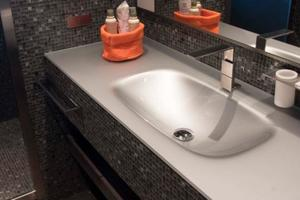 132' Ocean King Ocean King 130 2020 Head washbasin