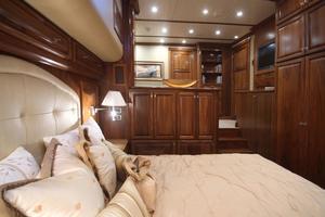 77' Real Ship Custom 2008 Master