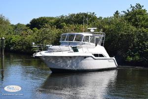 42' Cruisers Yachts 4285 Express Bridge 1989
