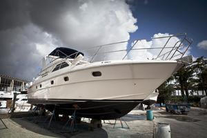 56' Gulf Craft Sport Flybridge Cruiser 2000 Gulf Craft Hull Out
